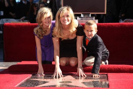 reese-witherspoon-family