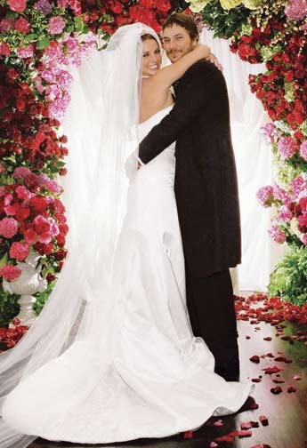 britney-spears-wedding-photos-dress