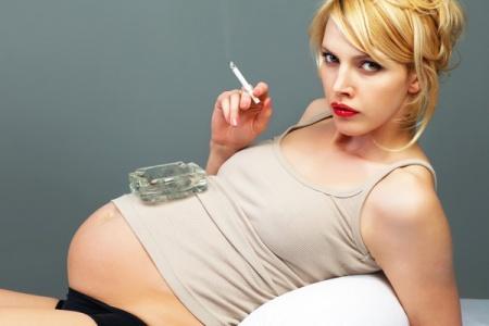 gravida-tigara-fumat