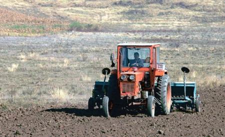 tractor_pe_camp1