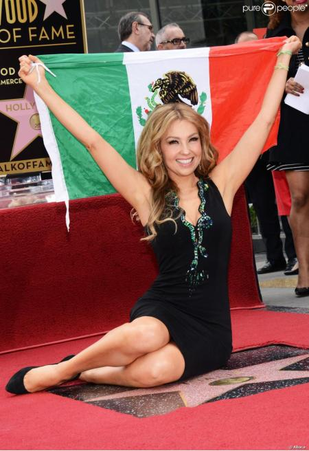 1322314-singer-thalia-is-honored-with-a-star-on-950x0-2