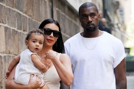 Kim-Kardashian-and-Kanye-West-with-Daughter-North-West