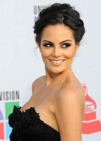 11th+Annual+Latin+GRAMMY+Awards+Arrivals+RrXyy2qadtnl